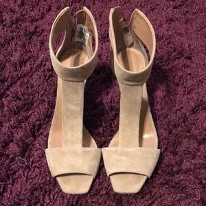Jimmy Choo Bethel 100 Suede Shoes in Ballet Pink